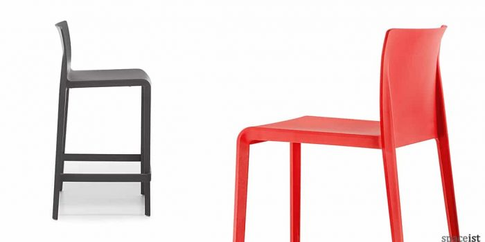 Volt dark grey + red bar stool