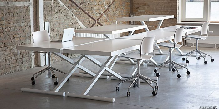 X standing office desk in white