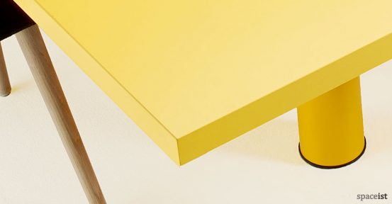 spaceist-xtra-very-large-yellow-table-closeup4