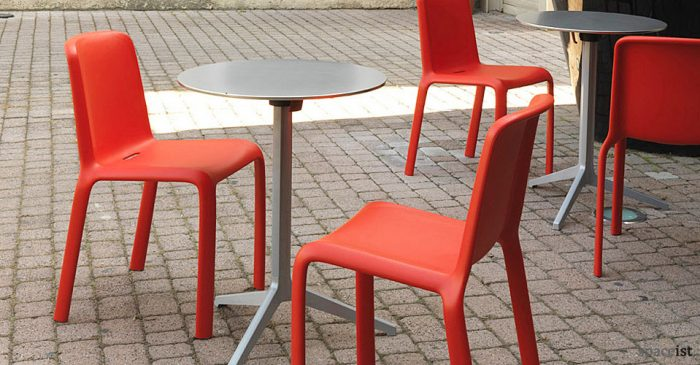 yipsilon silver outdoor modern cafe tables